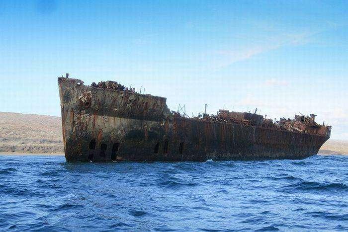 Мертвые корабли (28 фото)
