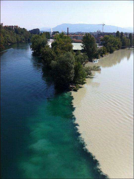 Слияние рек Рона и Арва в Женеве (3 фото)