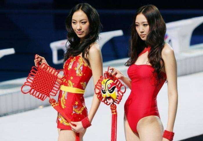 Китайский конкурс купальников (11 фото)