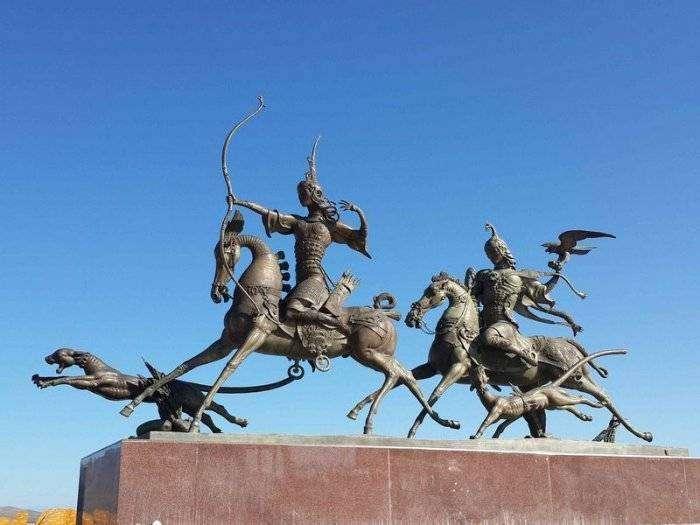 «Война» за географический центр Азии (6 фото)