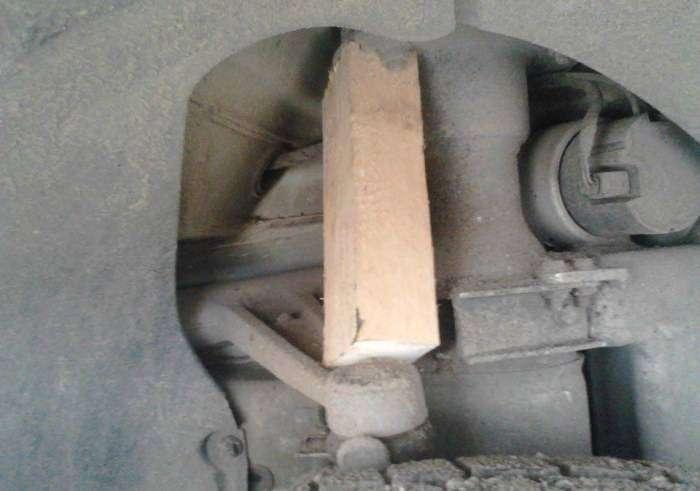 Как «ремонтируют» Maybach в России (3 фото)