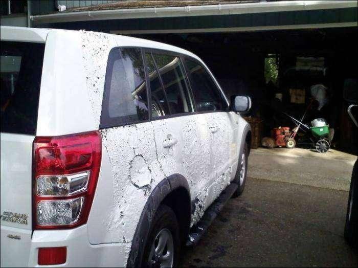 Что будет, если машину облить тормозной жидкостью (7 фото)