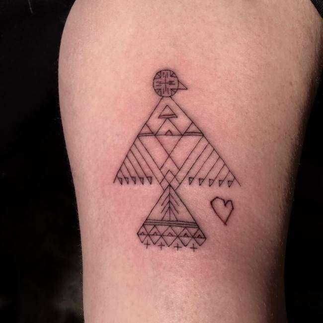 Скотт Кэмпбелл сам решает, какую татуировку набить клиенту (12 фото)