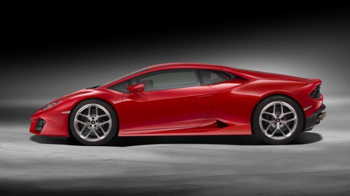 Заднеприводные суперкары Lamborghini (6 фото)