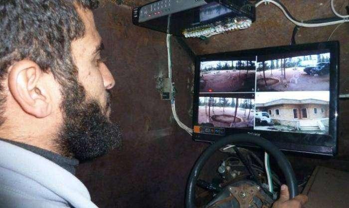 Сирийские повстанцы представили самодельный броневик (5 фото)