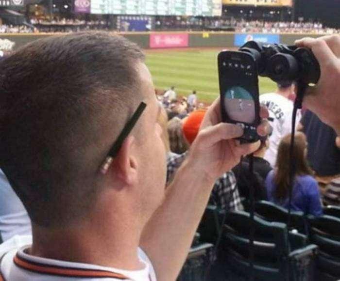 Отличный способ записать любимый матч без качественной видеокамеры.