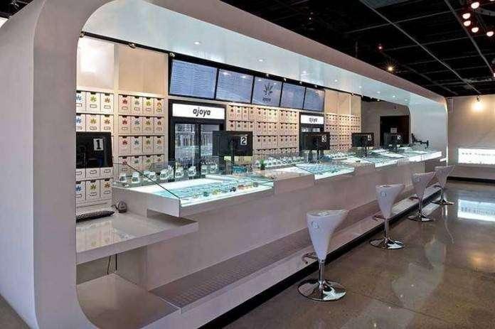 Интерьер магазина по продаже марихуаны в США (4 фото)