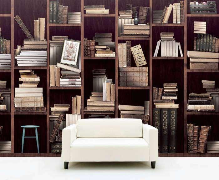 Стильные обои с реалистичным изображением книжных полок.