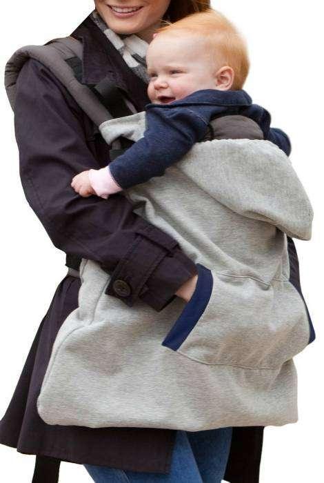 Специальная накладка эрго-рюкзак, которая позволит держать в тепле не только ребенка, но и мамины руки во время прогулок в холодную погоду.