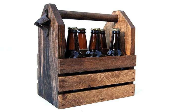 Деревянный ящик с ручкой для транспортировки пива