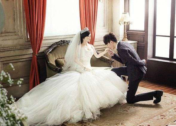 Куклу он выбрал, чтобы неоставлять свою возможную реальную невесту вдовой