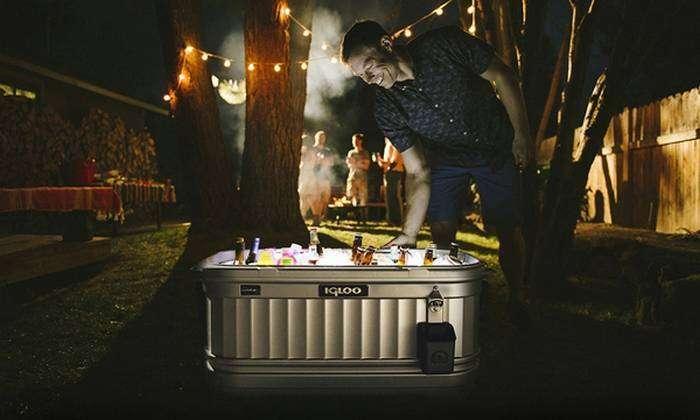 Холодильник для вечеринок Igloo.