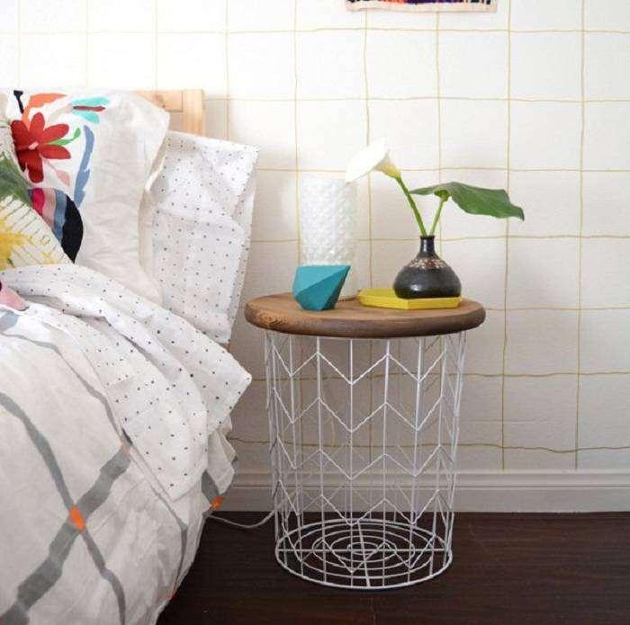 Симпатичный мини-столик подойдёт для любой комнаты и украсит её.