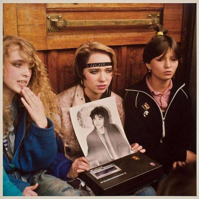 Фанатки группы Кино, Москва, 1990 г..jpg