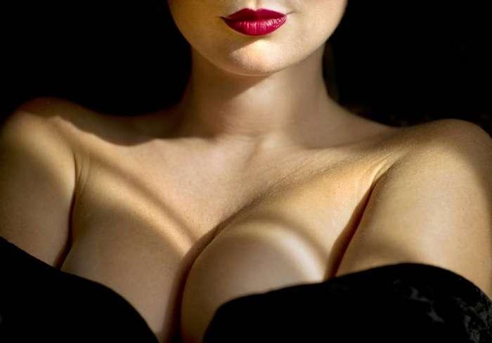 Как определить силиконовую грудь?