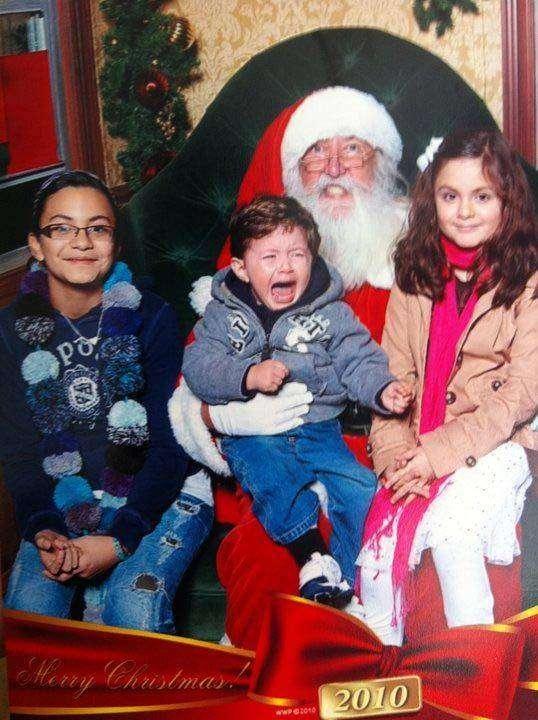 25 страшных Санта-Клаусов (24 фото)