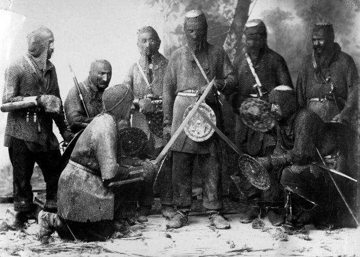 Хевсуры - агрессивные жители гор (5 фото)