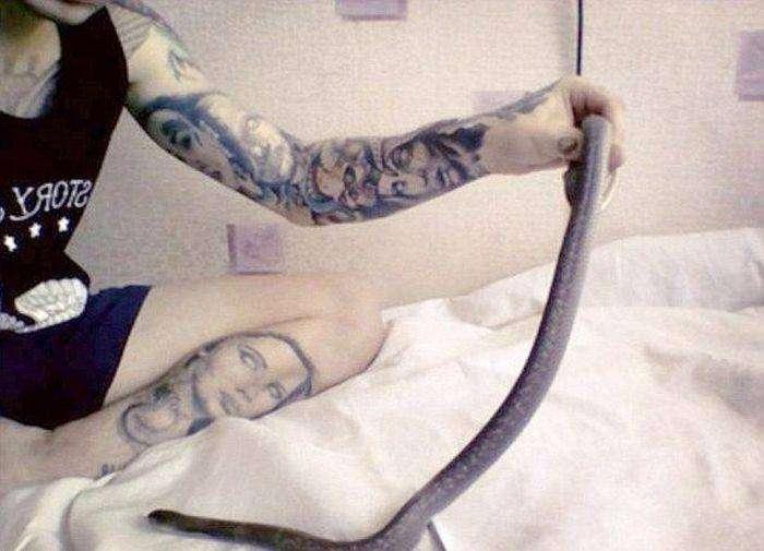 21-летний заводчик ядовитых змей умер от укуса королевской кобры (5 фото)