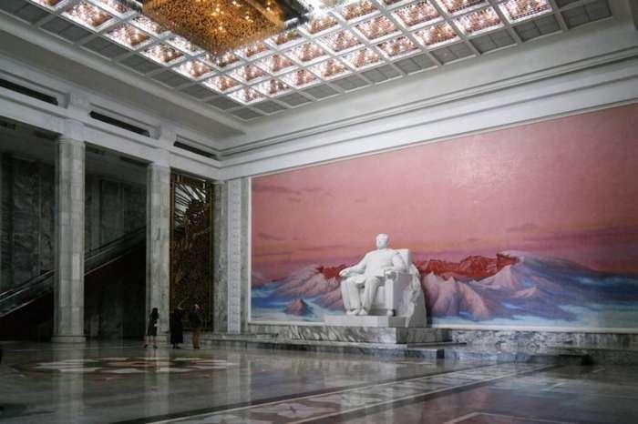 Красочная столица Северной Кореи