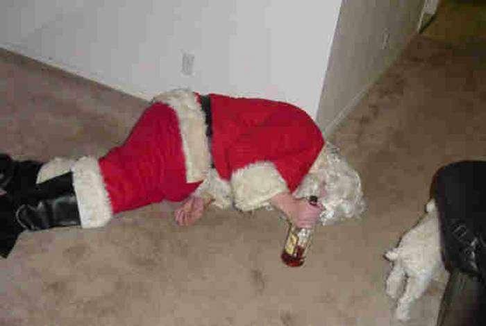Уставший Дед Мороз.