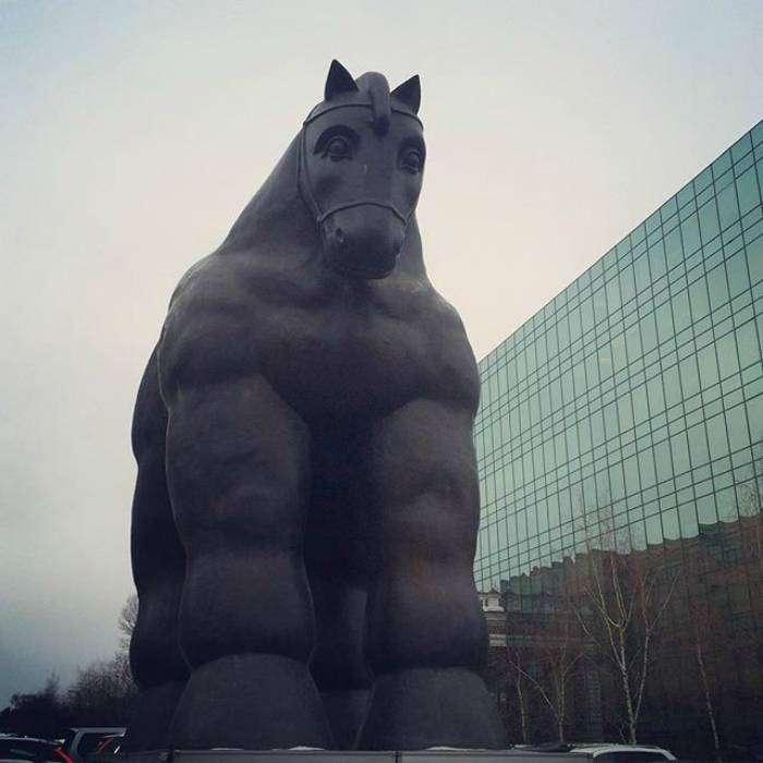 Великий и ужасный русский конь.