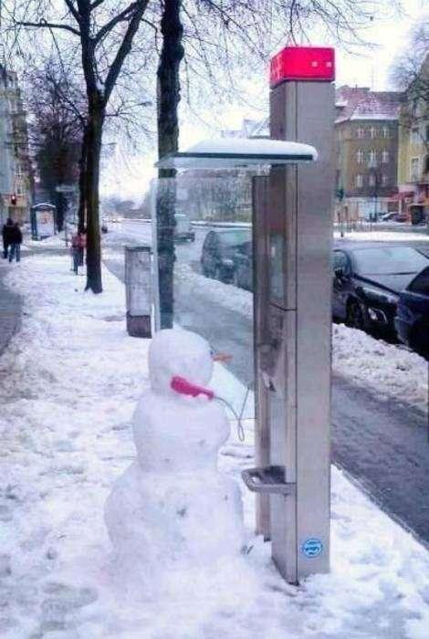 Общительный снеговик.