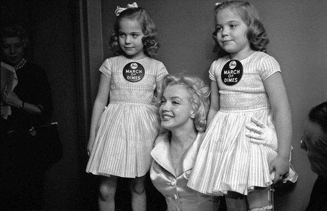 От Элвиса до Мэрилин: необычные портреты звезд