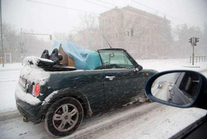 Оказывается, кабриолет - не лучший транспорт для зимы!