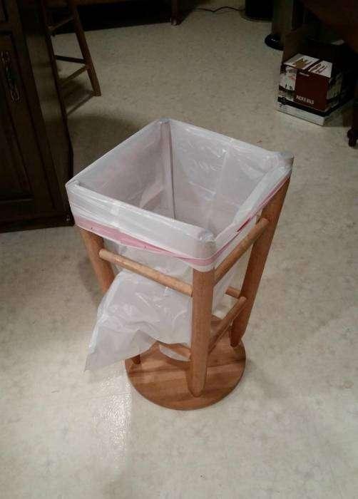 Нет мусорки - не беда, ее можно организовать в любом месте.