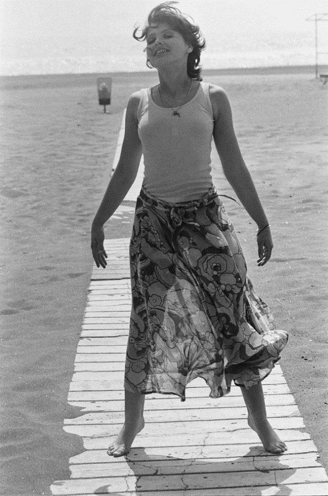 Орнелла Мути 45 лет тому назад