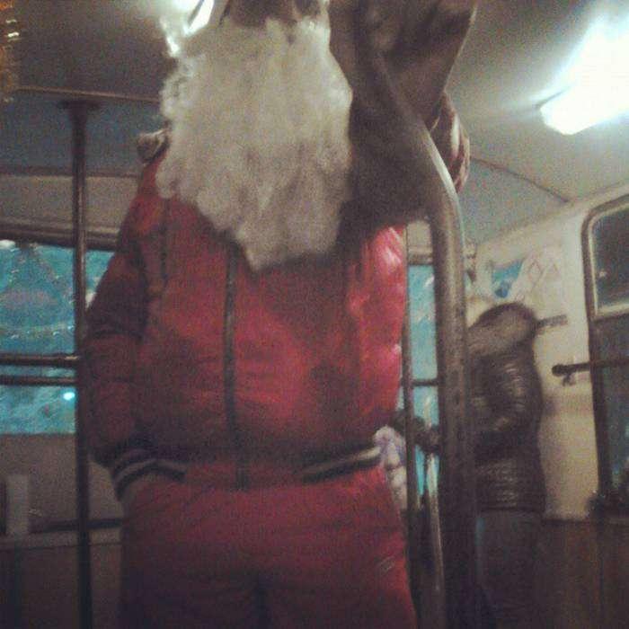 Дедушка Мороз, который следит за модными тенденциями.