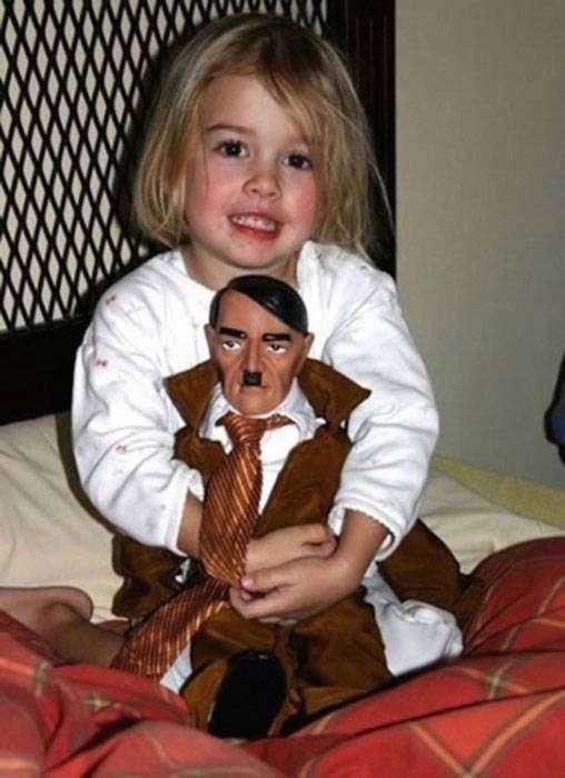 Кукольный Гитлер