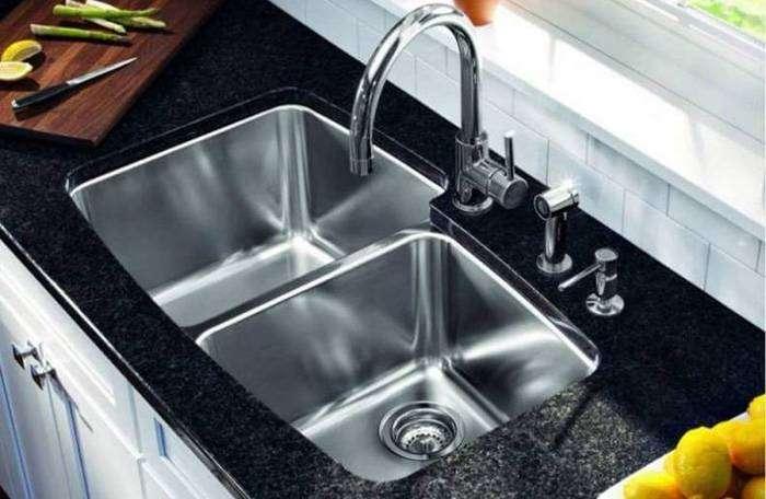 Да будет блеск: как быстро и легко отчистить нержавеющую раковину на кухне