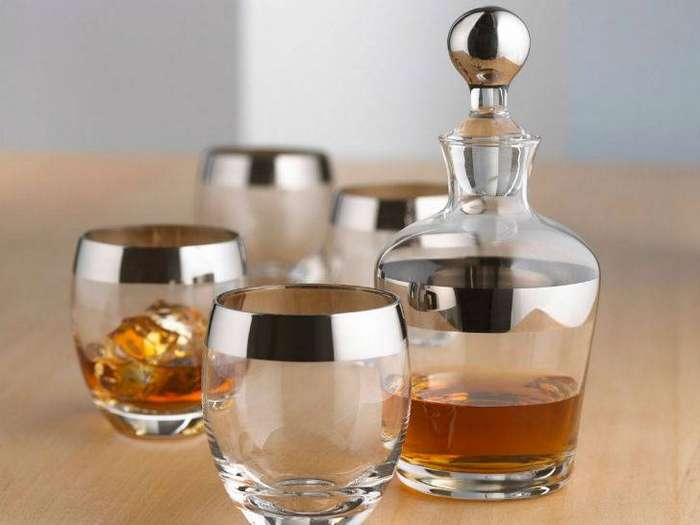 a-classy-spirit-decanter-with-a-matching-set-of-glasses-2