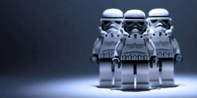 Лучшие подарки для фаната «Звёздных войн» — LEGO Star Wars, световые мечи, маски персонажей