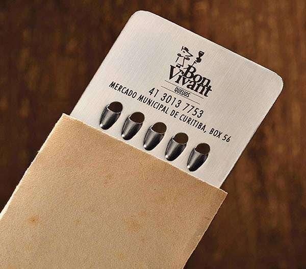 Визитная карточка в виде терки для сыра.