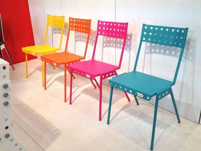 Яркие стулья, которые можно собрать своими руками