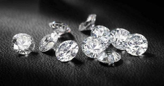 Почему бриллианты так дорого стоят? Или как нам целый век диктуют завышенную цену