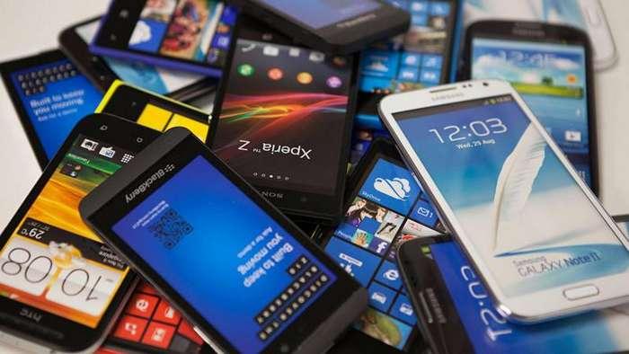 Самые популярные мобильные телефоны за последние 20 лет (21 фото)