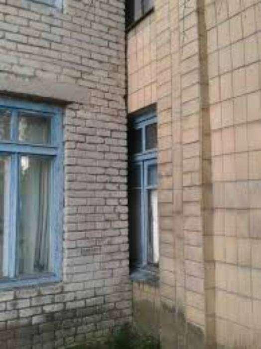 У кого-то вообще только половинка окна...