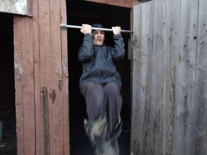 Один день из жизни сильного человека (35 фото)
