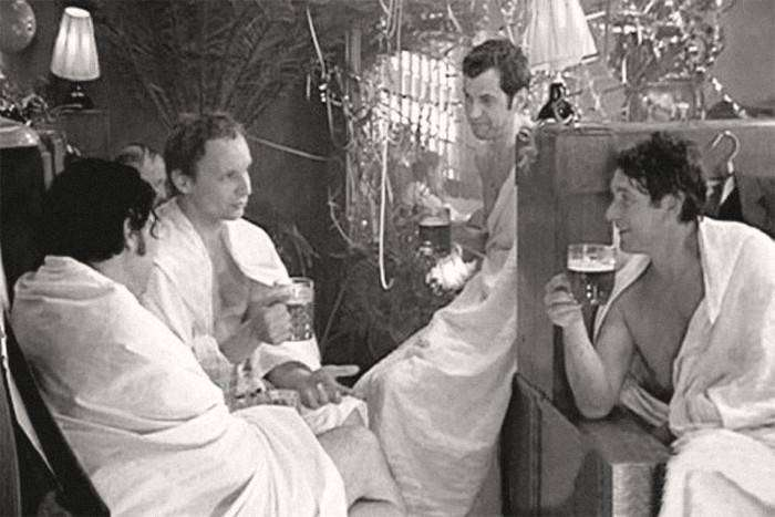 Как снимали банную сцену комедии «Ирония судьбы, или С лёгким паром!» (5 фото)