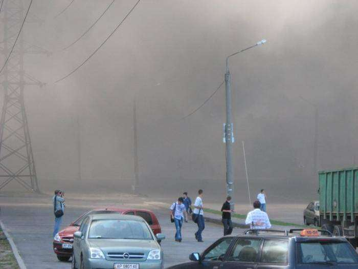 Пожар на заводе ЗАЗ (10 фото)