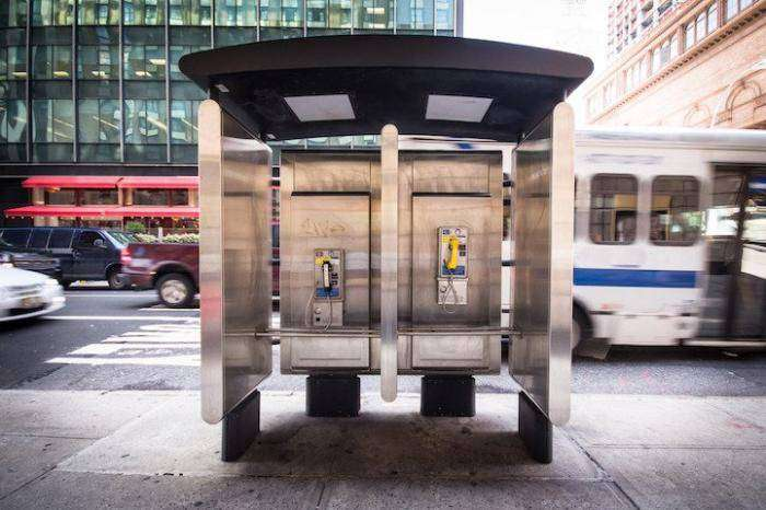 Современный таксофон (11 фото)