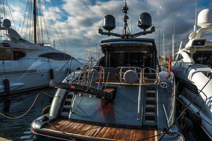 Как богачи называют свои яхты (34 фото)