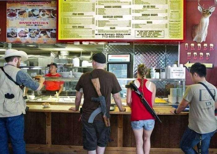 Техасцам разрешили открытое ношение оружия (4 фото)