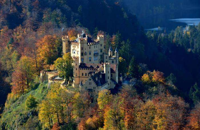 10 крутейших замков, в которых я остался бы жить (10 фото)