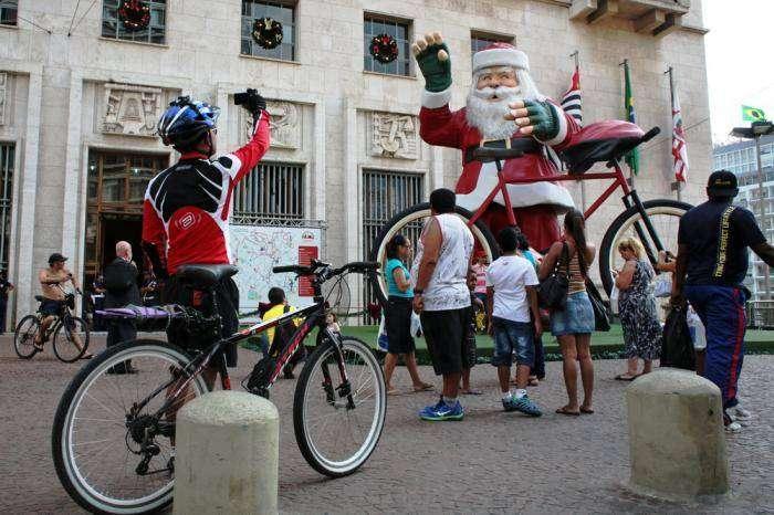 Как празднуют Рождество в Сан-Паулу и Рио (27 фото)