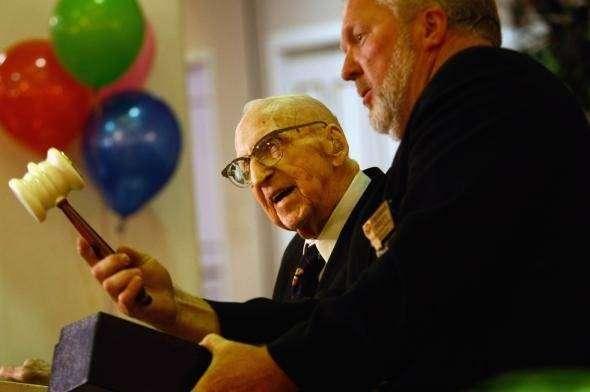 Самый старый человек в мире (18 фото)