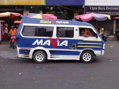 Маршрутки в Индонезии (17 фото)
